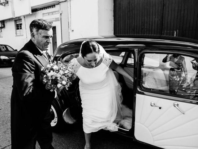 La boda de Isacc y Laura en Chiclana De La Frontera, Cádiz 21