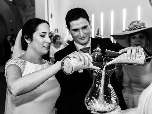 La boda de Isacc y Laura en Chiclana De La Frontera, Cádiz 31