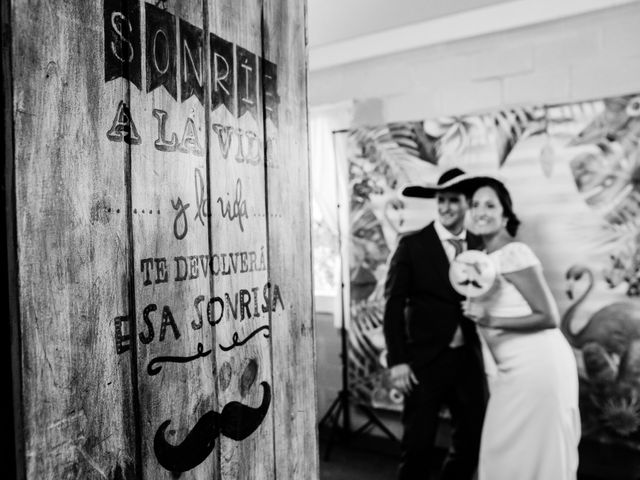 La boda de Isacc y Laura en Chiclana De La Frontera, Cádiz 79