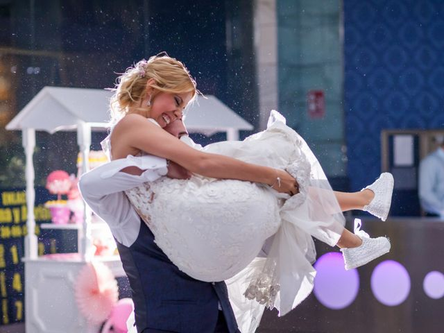 La boda de Adrian y Joana en Madrid, Madrid 78