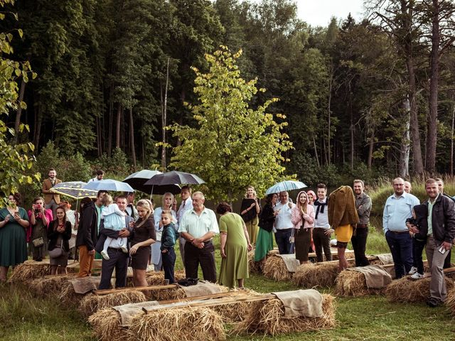 La boda de Yeroslava y Eugenie en Santander, Cantabria 32