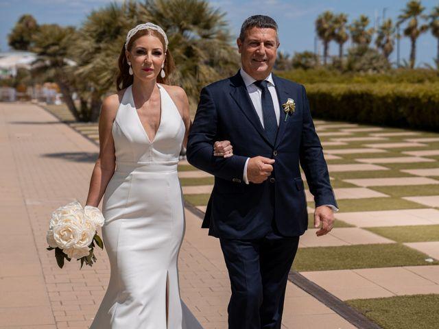 La boda de Leticia y Javier en Valencia, Valencia 59
