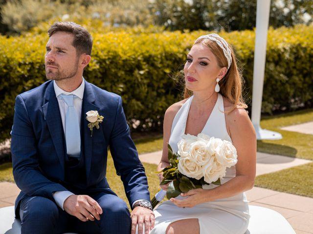 La boda de Leticia y Javier en Valencia, Valencia 91