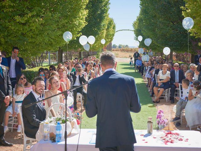 La boda de Iván y Llanos en Tomelloso, Ciudad Real 15