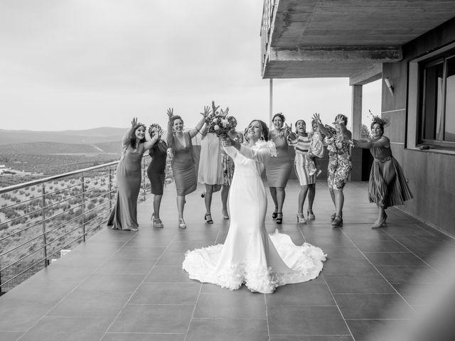 La boda de Álvaro y Rocío en Arjona, Jaén 40