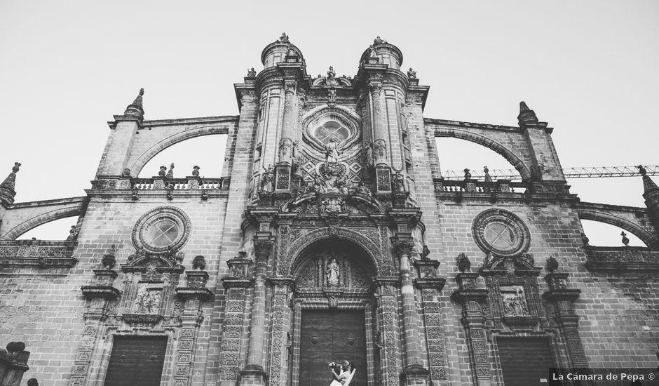 La boda de Juan Pedro y Laura en El Puerto De Santa Maria, Cádiz