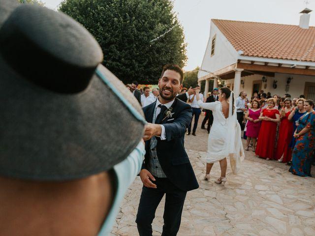 La boda de Moises y Carolina en Membrilla, Ciudad Real 32