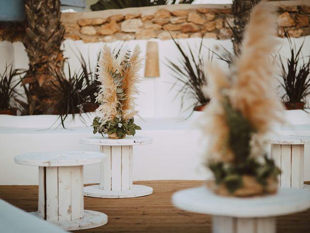 La boda de Juan y Elena en La Manga Del Mar Menor, Murcia 109