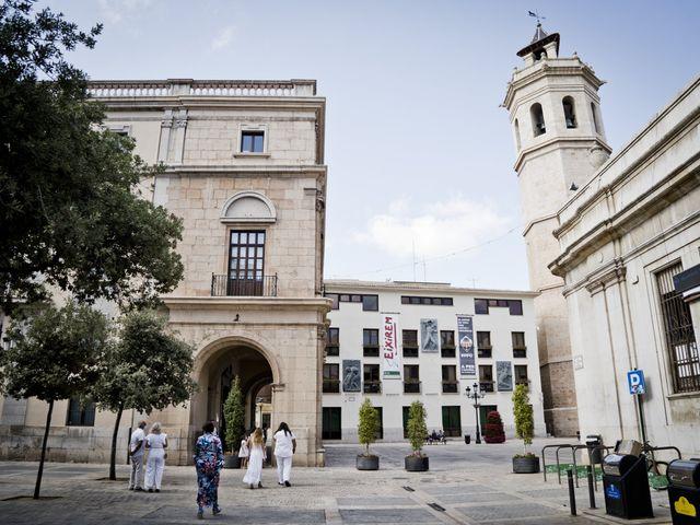 La boda de Vane y Hugo en Castelló/castellón De La Plana, Castellón 7