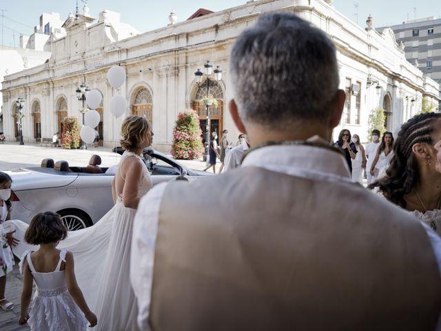 La boda de Vane y Hugo en Castelló/castellón De La Plana, Castellón 11