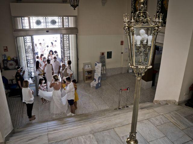 La boda de Vane y Hugo en Castelló/castellón De La Plana, Castellón 13