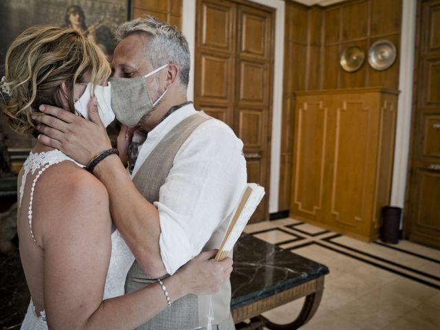 La boda de Vane y Hugo en Castelló/castellón De La Plana, Castellón 15