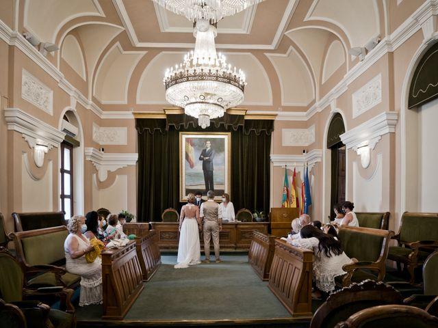 La boda de Vane y Hugo en Castelló/castellón De La Plana, Castellón 17
