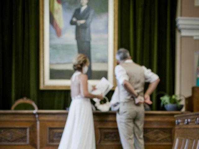 La boda de Vane y Hugo en Castelló/castellón De La Plana, Castellón 20