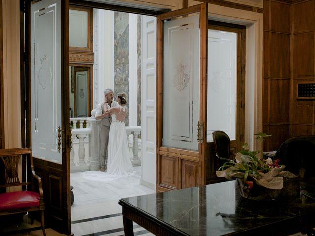 La boda de Vane y Hugo en Castelló/castellón De La Plana, Castellón 21