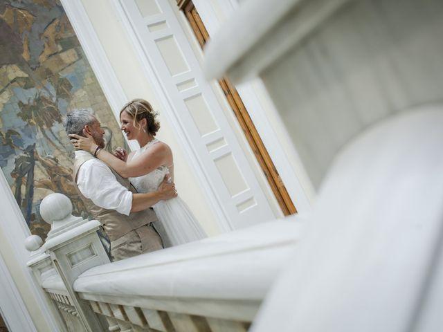 La boda de Vane y Hugo en Castelló/castellón De La Plana, Castellón 22