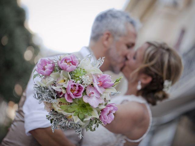 La boda de Vane y Hugo en Castelló/castellón De La Plana, Castellón 26