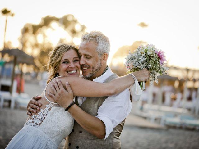 La boda de Vane y Hugo en Castelló/castellón De La Plana, Castellón 36