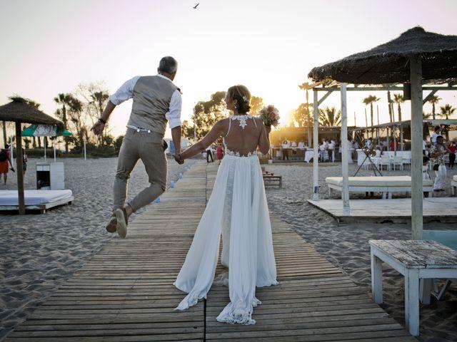 La boda de Vane y Hugo en Castelló/castellón De La Plana, Castellón 38