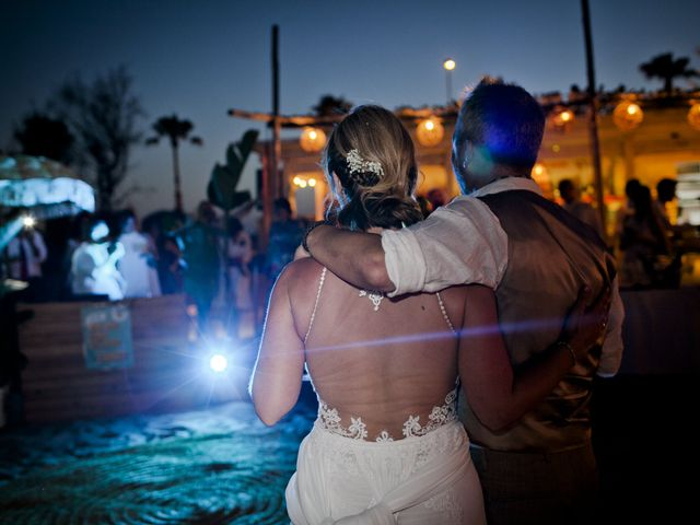 La boda de Vane y Hugo en Castelló/castellón De La Plana, Castellón 43