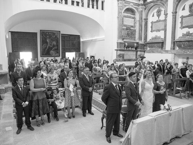 La boda de Cristina y Oliver en Cuenca, Cuenca 23