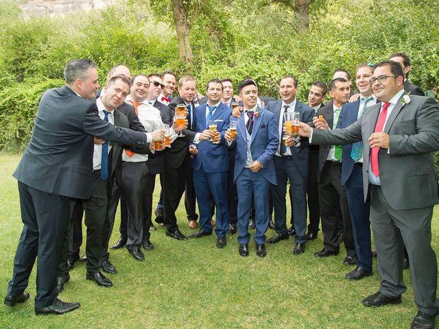 La boda de Cristina y Oliver en Cuenca, Cuenca 33