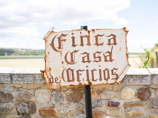 La boda de Víctor y Blanca en Torremocha Del Jarama, Madrid 1