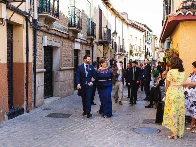 La boda de Víctor y Blanca en Torremocha Del Jarama, Madrid 41