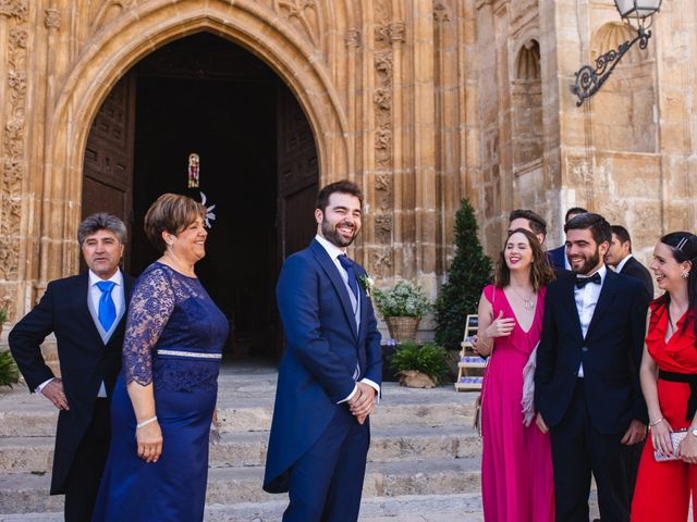 La boda de Víctor y Blanca en Torremocha Del Jarama, Madrid 42