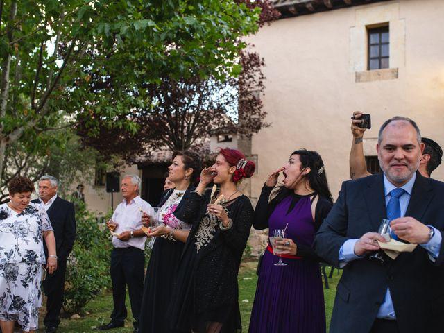 La boda de Víctor y Blanca en Torremocha Del Jarama, Madrid 113