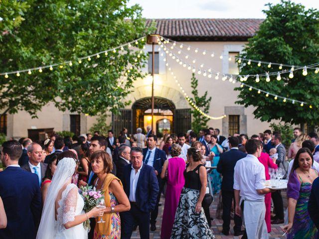 La boda de Víctor y Blanca en Torremocha Del Jarama, Madrid 126
