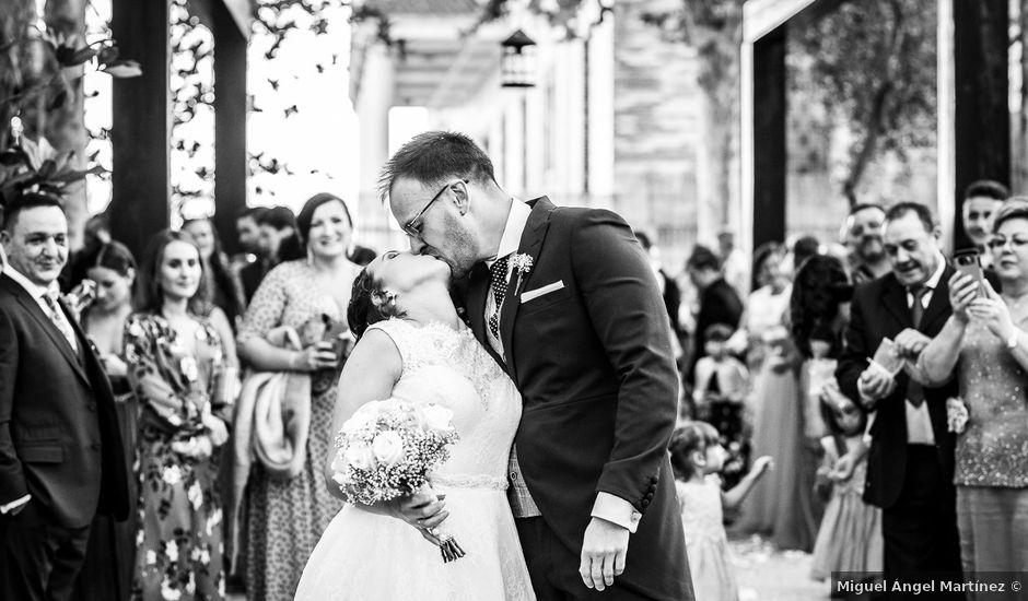 La boda de Josue y Mónica en Torrejon De La Calzada, Madrid