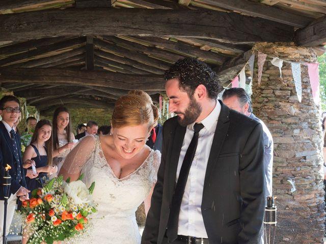 La boda de Toni y Pati en Arzua, A Coruña 32