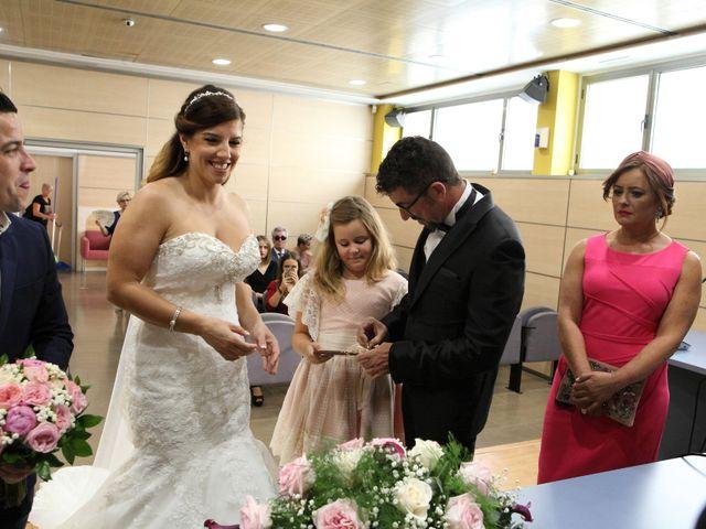 La boda de Noe y Juan en La Pobla De Farnals, Valencia 17