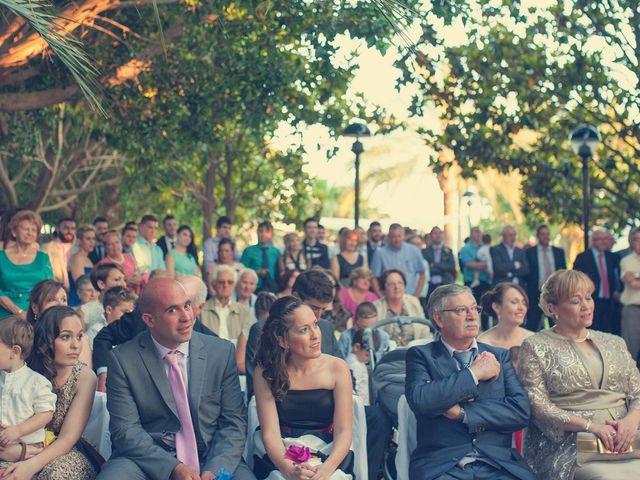 La boda de Vincen y Carmen en Castelló/castellón De La Plana, Castellón 51