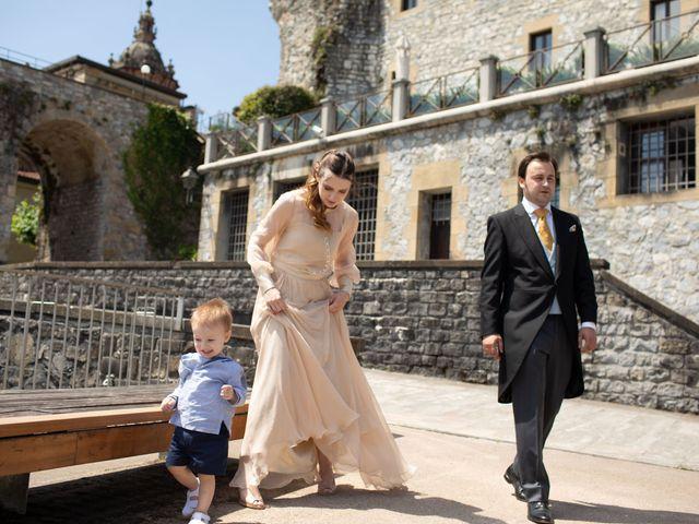 La boda de Rodrigo y Elena en Hondarribia, Guipúzcoa 21