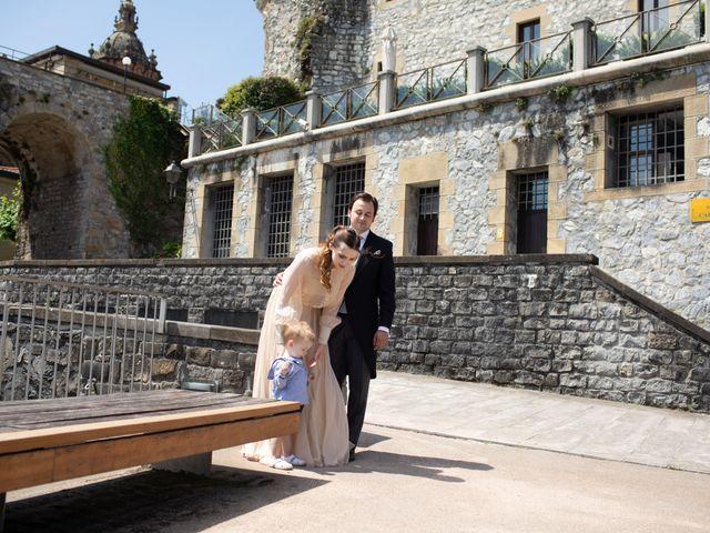La boda de Rodrigo y Elena en Hondarribia, Guipúzcoa 22