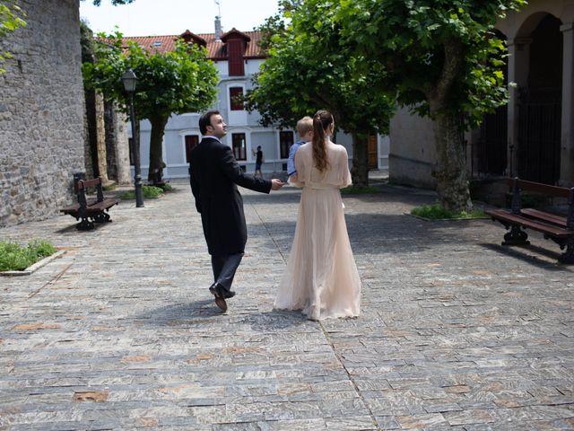 La boda de Rodrigo y Elena en Hondarribia, Guipúzcoa 25