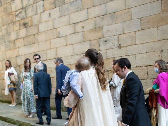 La boda de Rodrigo y Elena en Hondarribia, Guipúzcoa 27