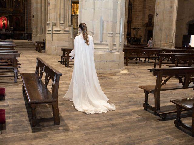 La boda de Rodrigo y Elena en Hondarribia, Guipúzcoa 29