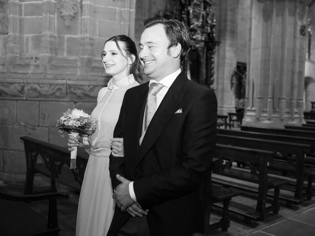 La boda de Rodrigo y Elena en Hondarribia, Guipúzcoa 30