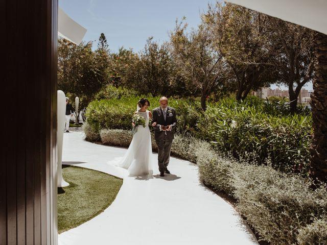 La boda de Roberto y Cristina en La Manga Del Mar Menor, Murcia 18