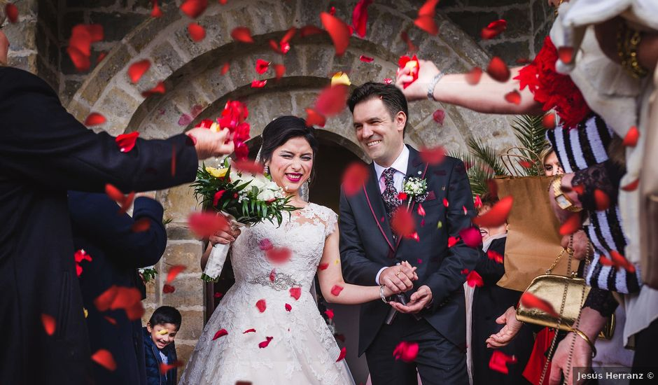 La boda de Juan y Rosália en Pamplona, Navarra