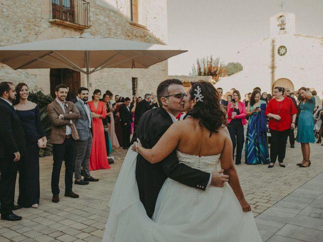 La boda de Aitor y Paula en La Riera De Gaia, Tarragona 76