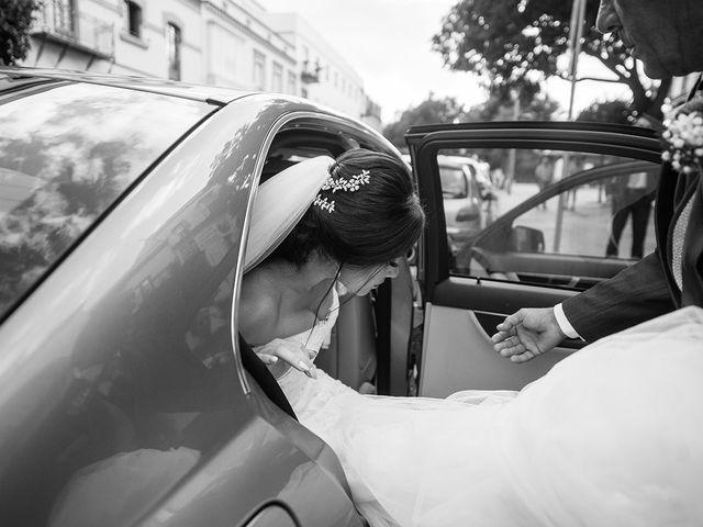 La boda de Alejandro y Yasmina en Espartinas, Sevilla 15