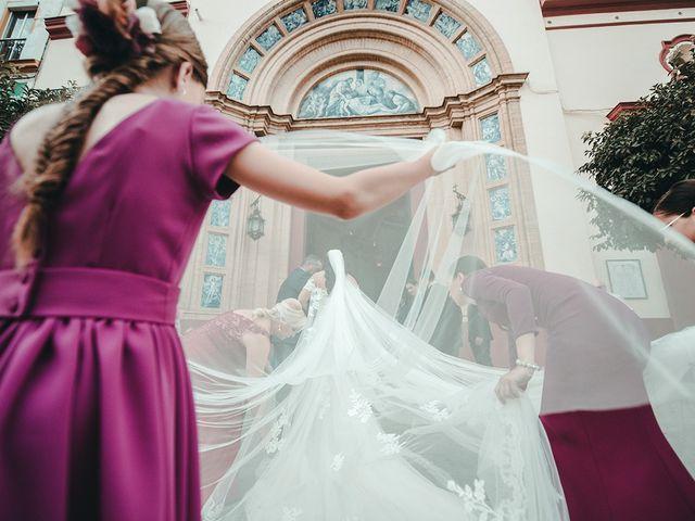 La boda de Alejandro y Yasmina en Espartinas, Sevilla 17
