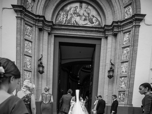 La boda de Alejandro y Yasmina en Espartinas, Sevilla 18