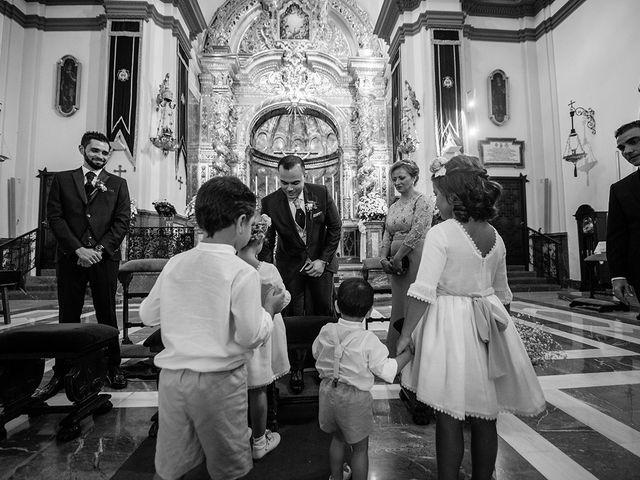 La boda de Alejandro y Yasmina en Espartinas, Sevilla 20