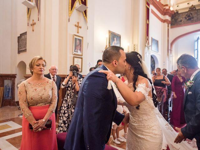 La boda de Alejandro y Yasmina en Espartinas, Sevilla 23