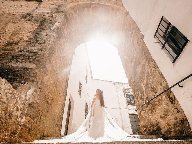 La boda de Alejandro y Yasmina en Espartinas, Sevilla 40